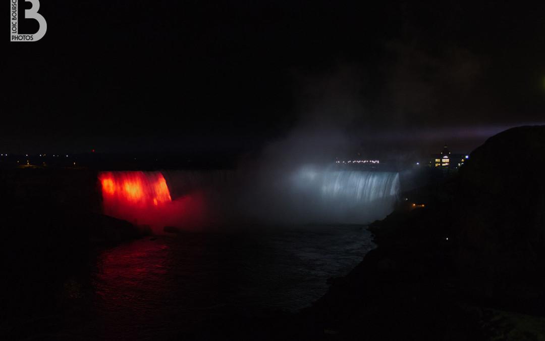 Les chutes du Niagara de nuit